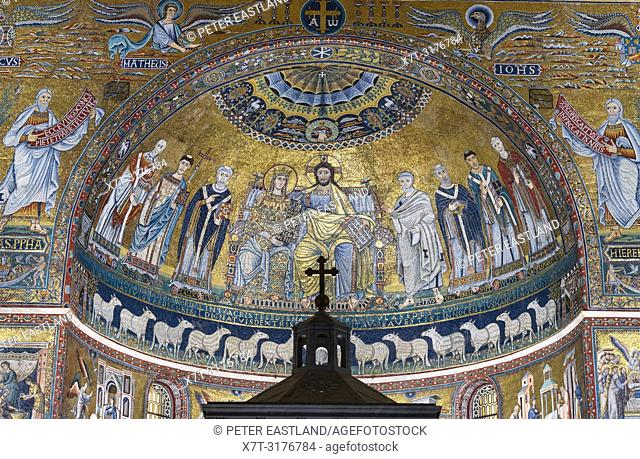 12 century Mosaics by Pietro Cavallini in the apse of the Basillica of Santa Maria in Trastevere. Trastevere district, Rome, Italy