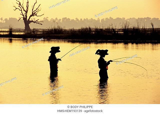 Myanmar Burma, Mandalay Division, Amarapura old city, fishermen on Lake U Bein