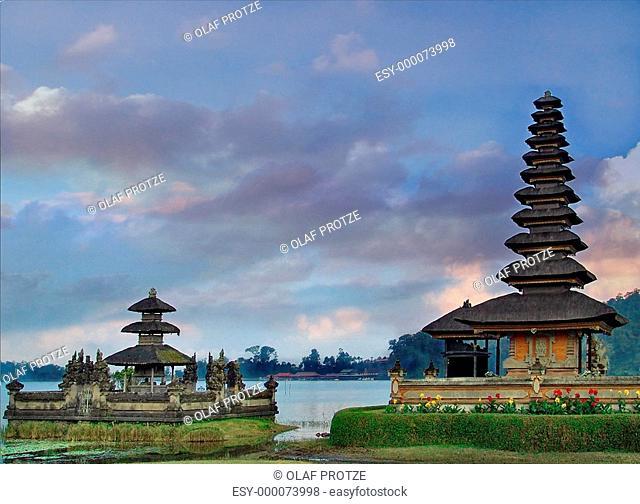 Ulun Danu Temple am Lake Bratan, Bali