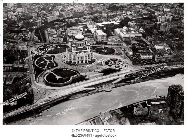 Aerial view of the Cathedral of Christ the Saviour, Moscow, USSR, from a Zeppelin, 1930 (1933). A photograph from Zeppelin-Weltfahrten