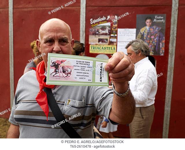 Bullfighting enthusiast. Triacastela, Province of Lugo, Galicia, Spain (22/08/2015)