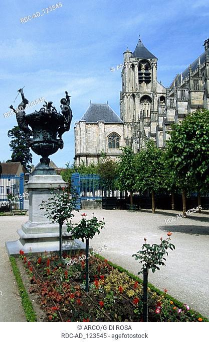 Cathedral Saint-Etienne Bourges Centre France Loire valley Jardin de l'Archeveche Place Etienne Dolet
