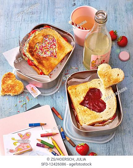 Sandwiches with cut-out hearts to take away