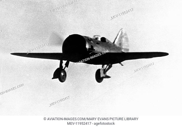 Soviet Airforce Polikarpov I-16 Rata Flying