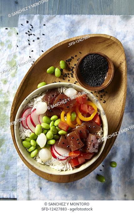A tuna and rice poke bowl