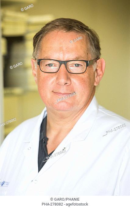 Professor Romain Gherardi, Inserm U955 research director, specialist of macrophagic myofasciitis, head of histology department, Henri Mondor hospital, AP-HP