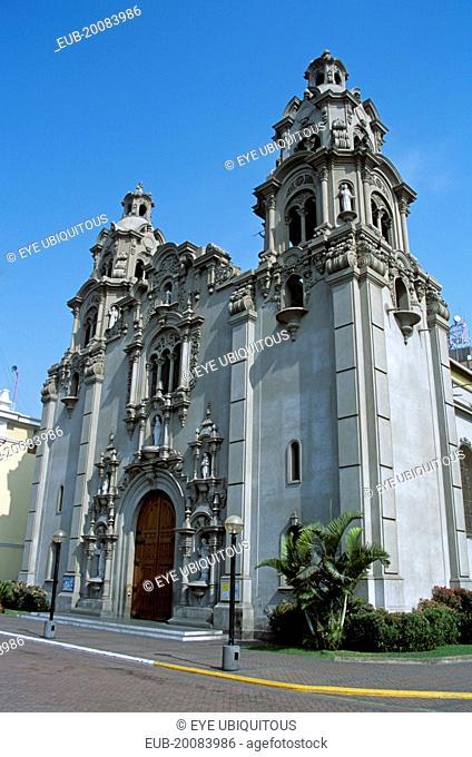 Iglesia Virgen de Milagrosa, Miraflores