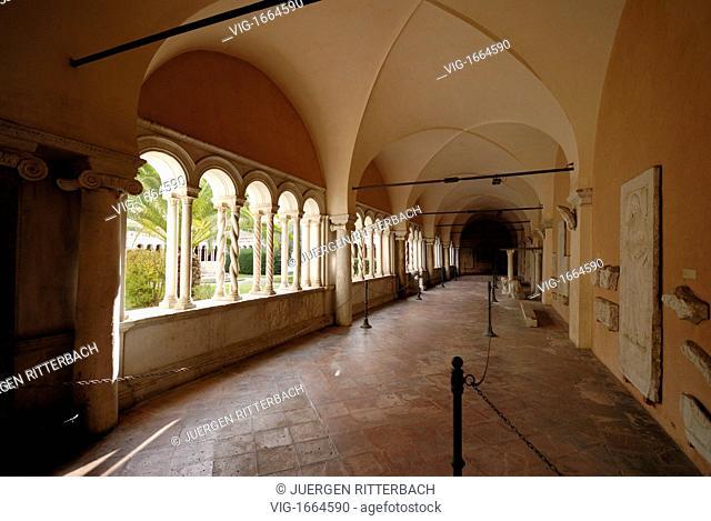 ITALY, ROME, 23.11.2008, cloister in Basilica of St. John Lateran, San Giovanni in Laterano, Rome, Italy, Europe - ROME, ITALY, 23/11/2008