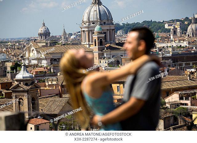Couple in love. Parco del Pincio. Rome, Italy