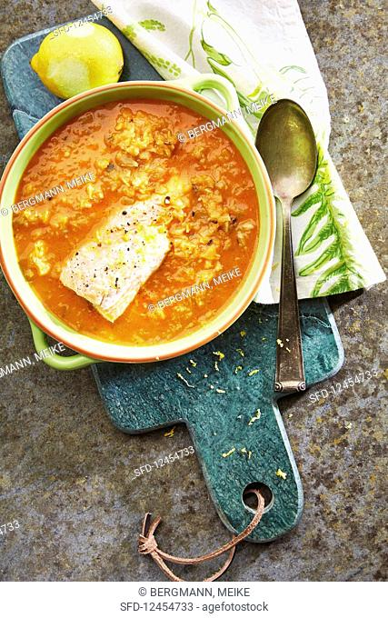 Fennel and tomato soup with salmon