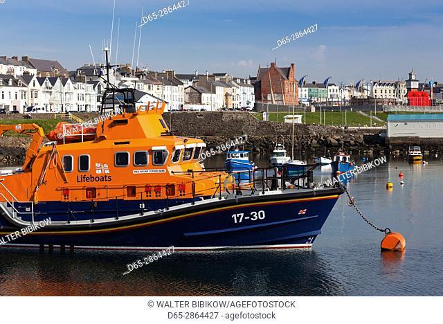 UK, Northern Ireland, County Antrim, Portrush, harbor with boats