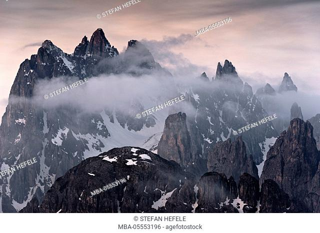 Italy, the Dolomites, mountains, summits, Alps, peaks, bizarre, rugged, limestone, light, mood, morning, pastel, fog, clouds, structure, rock, massif, snow