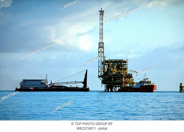 Zengmu Reef The South China Sea Malaysia Luconia Breakers oil drilling platform 2009