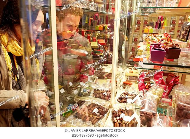 Christmas, Chocolate shop, Bayonne, Aquitaine, Pyrénées-Atlantiques, Basque country, 64, France