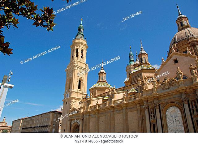 Basilica de Nuestra Señora del Pilar as seen from the square of the same name also called Plaza de las Catedrales  Zaragoza, Aragón, Spain, Europe