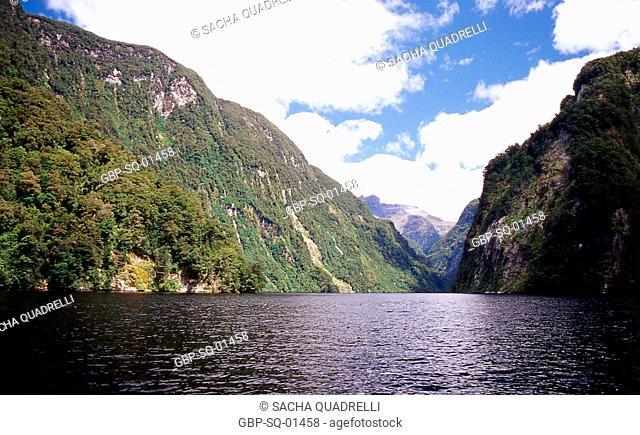 Doubtful Sound, South Island, fiordland National Park, New Zealand