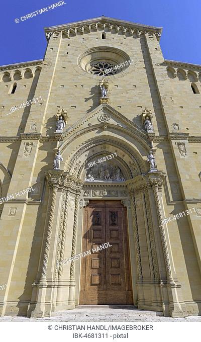Main Entrance of Arezzo Cathedral, Cattedrale dei Santi Pietro e Donato, Arezzo, Tuscany, Italy