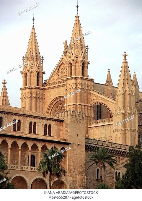 Almudaina Palace and Gothic cathedral, Palma de Mallorca. Majorca, Balearic Islands, Spain