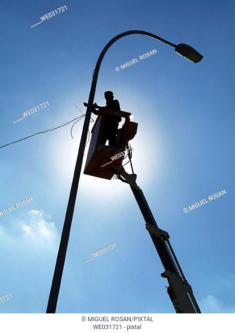 Performing the servicing of public lighting