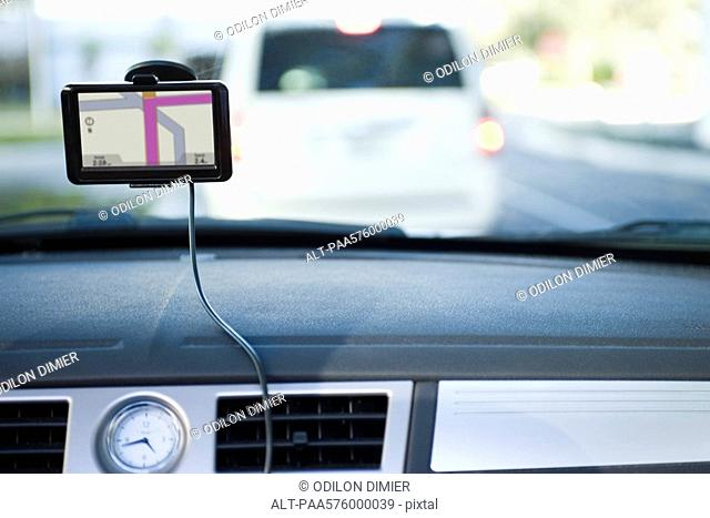 Driving with the assistance of GPS