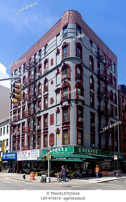 Chinatown, Shops, street scene, Chinatown, New York, USA