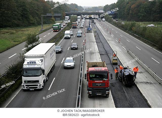 Autobahn (motorway) A46, highway construction site near Essen, North Rhine-Westphalia, Germany, Europe