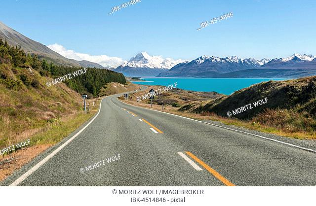 Road to Mount Cook, Lake Pukaki, Mount Cook National Park, Southern Alps, Canterbury Region, Southland, New Zealand