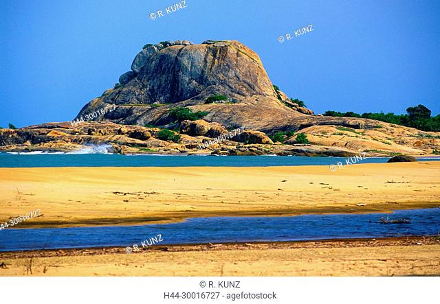 Mountain, rockface, coast, beach, sandy beach, sea, Indian ocean, breakwater, Yala National Park, Sri Lanka