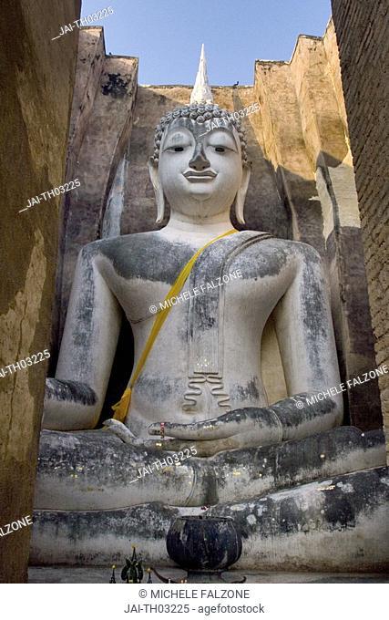 Seated Buddha, Wat Si Chum, Sukothai Historical Park, Sukhothai, Thailand