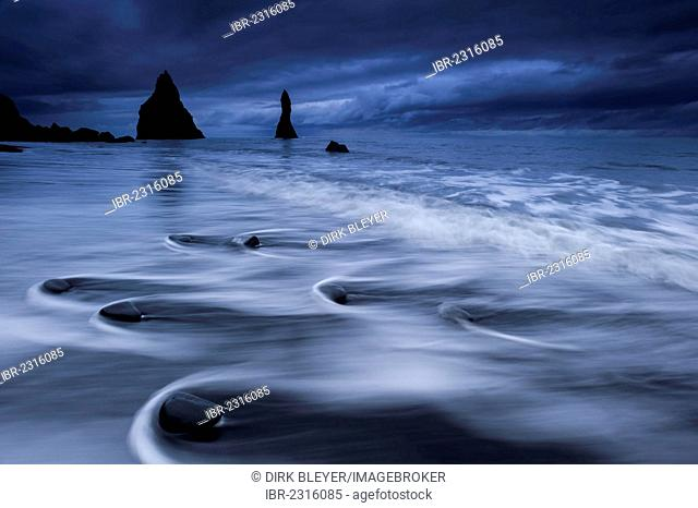 Reynisdrangar rock formation near Vik í Mýrdal, black sandy beach, southern coast, Iceland, Europe