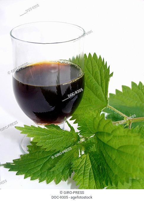 Urticae folium nettle juice