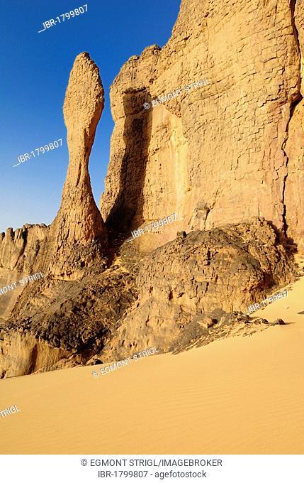 Sandstone rock formation at Tin Akachaker, Tassili du Hoggar, Wilaya Tamanrasset, Algeria, Sahara desert, Africa