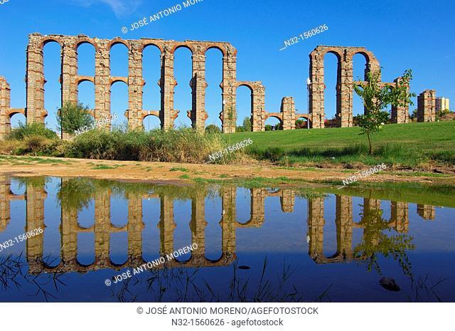 Los Milagros ruined Roman aqueduct of former Emerita Augusta, UNESCO World Heritage site, Merida, Via de la Plata, Badajoz province, Extremadura, Spain