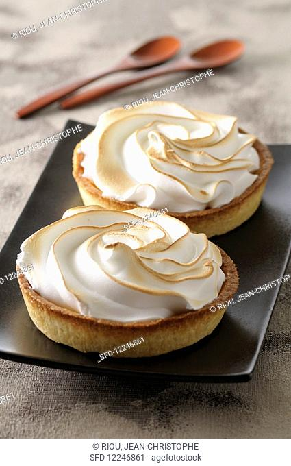 Tarteletts with meringue