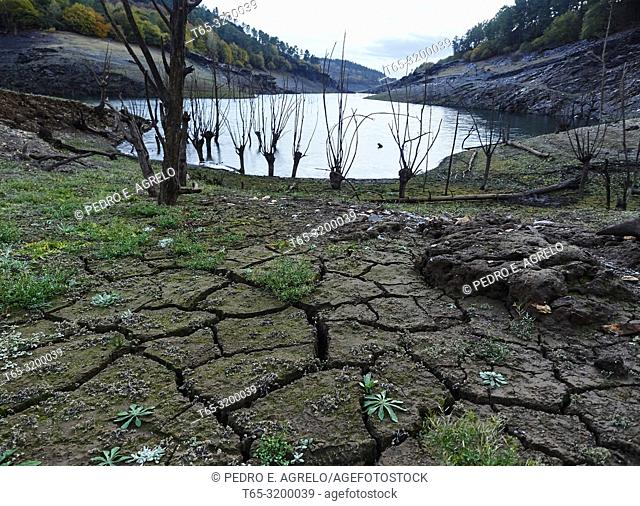 DROUGHT.- Vilasouto Reservoir in O Incio.- The Vilasouto Reservoir is located in the municipality of Incio, in the province of Lugo