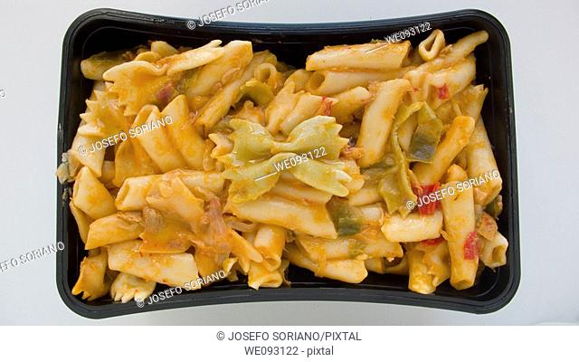 Italian pasta with vegetables and tomato