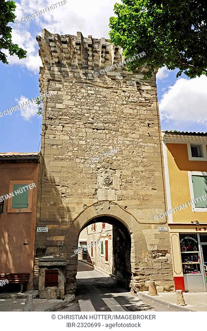 Old city gate in Pernes-les-Fontaines, Vaucluse, Provence-Alpes-Cote d'Azur, Southern France, France, Europe, PublicGround