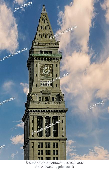 A view to the Marriott's Custom House Hotel, formely knowed as the Custom House Tower located in McKinley Square in the financial district of Boston