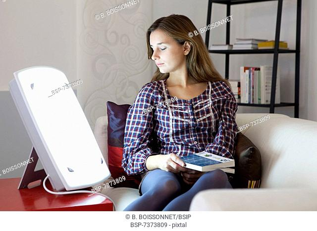 WOMAN LIGHT THERAPY Model