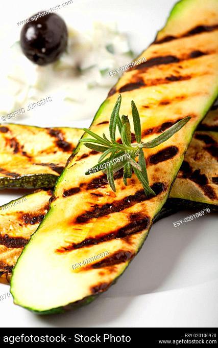 gegrillte Zucchini mit Rosmarin