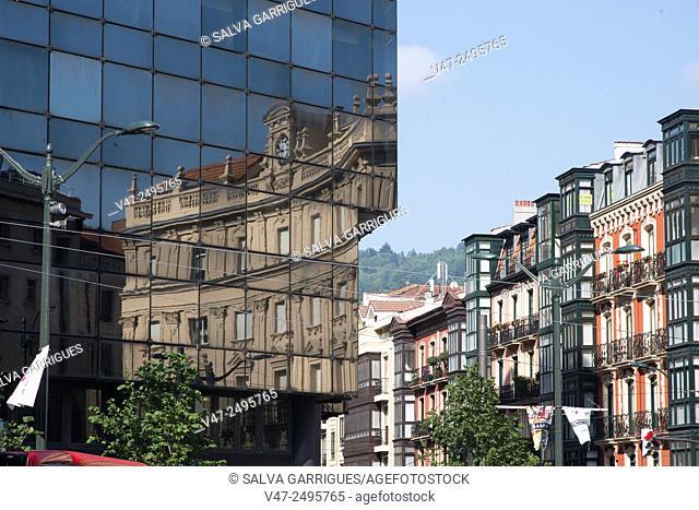 Edificio BBVA Banco Bilbao Vizcaya Argentaria, Bilbao, Basque Country, Spain, Europe