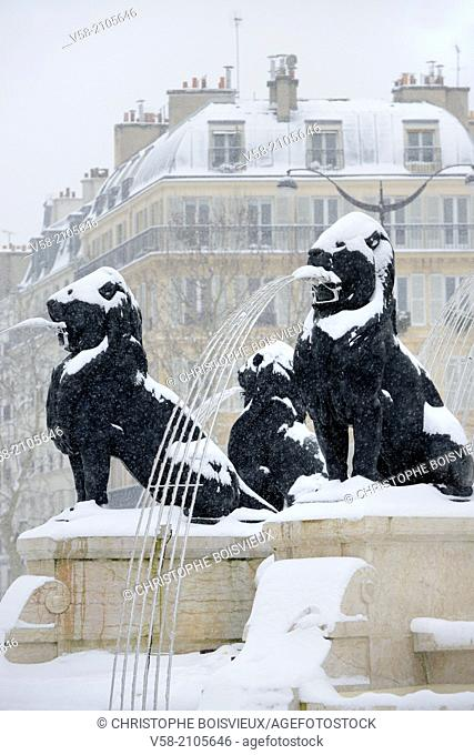 France, Paris, Place Felix Eboue, The fountain in winter