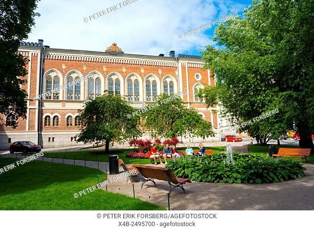 Ritarihuoneenpuisto park and Ritarihuone building (1862), in Neogothic style, Kruununhaka district, Helsinki, Finland