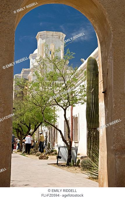 Mission San Xavier Del Bac, Spanish Colonial Architecture