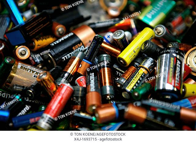 Recycling of batteries All municipalities in The Netherlands are required to provide known collection points for recyclable and/or hazardous materials All types...