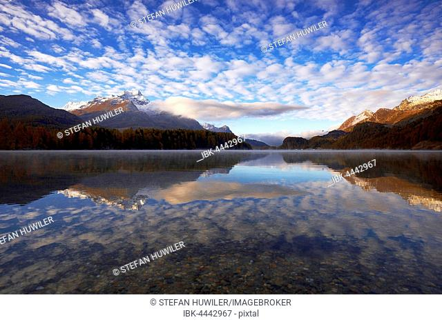Cloudy sky, Lake Sils, Piz da la Margna behind, Sils, Engadin, Canton of Grisons, Switzerland