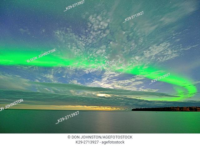 Aurora borealis (Northern Lights) over Great Slave Lake , Hay River, Northwest Territories, Canada