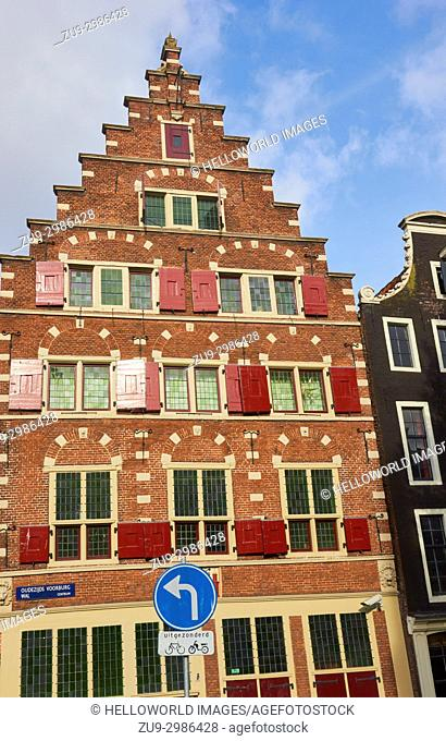 Riga Coat of Arms, Oudezijds Voorburg Wal, Amsterdam, Netherlands. . Stepped gable house from 1605 built for an immigrant merchant from Riga