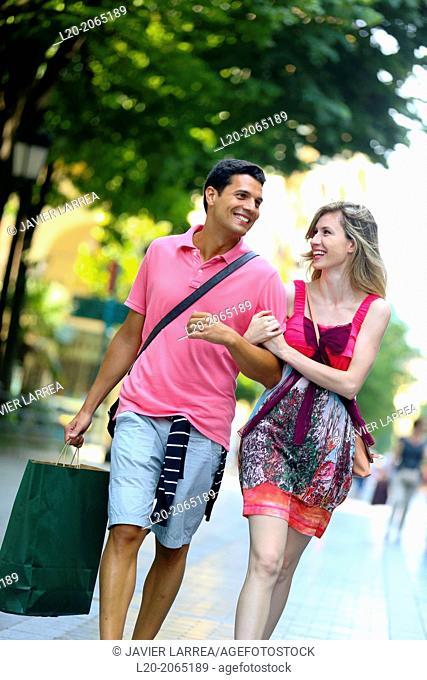 Couple shopping. Plaza de Gipuzkoa. San Sebastian. Donostia. Gipuzkoa. Basque Country. Spain