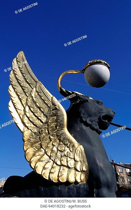 Griffin with gilded wings, statue by Pavel Sokolov (1764-1835), Bank Bridge or Griffin Bridge over the Griboedov Canal, St Petersburg's historic centre (Unesco...